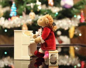 Christmas music bear
